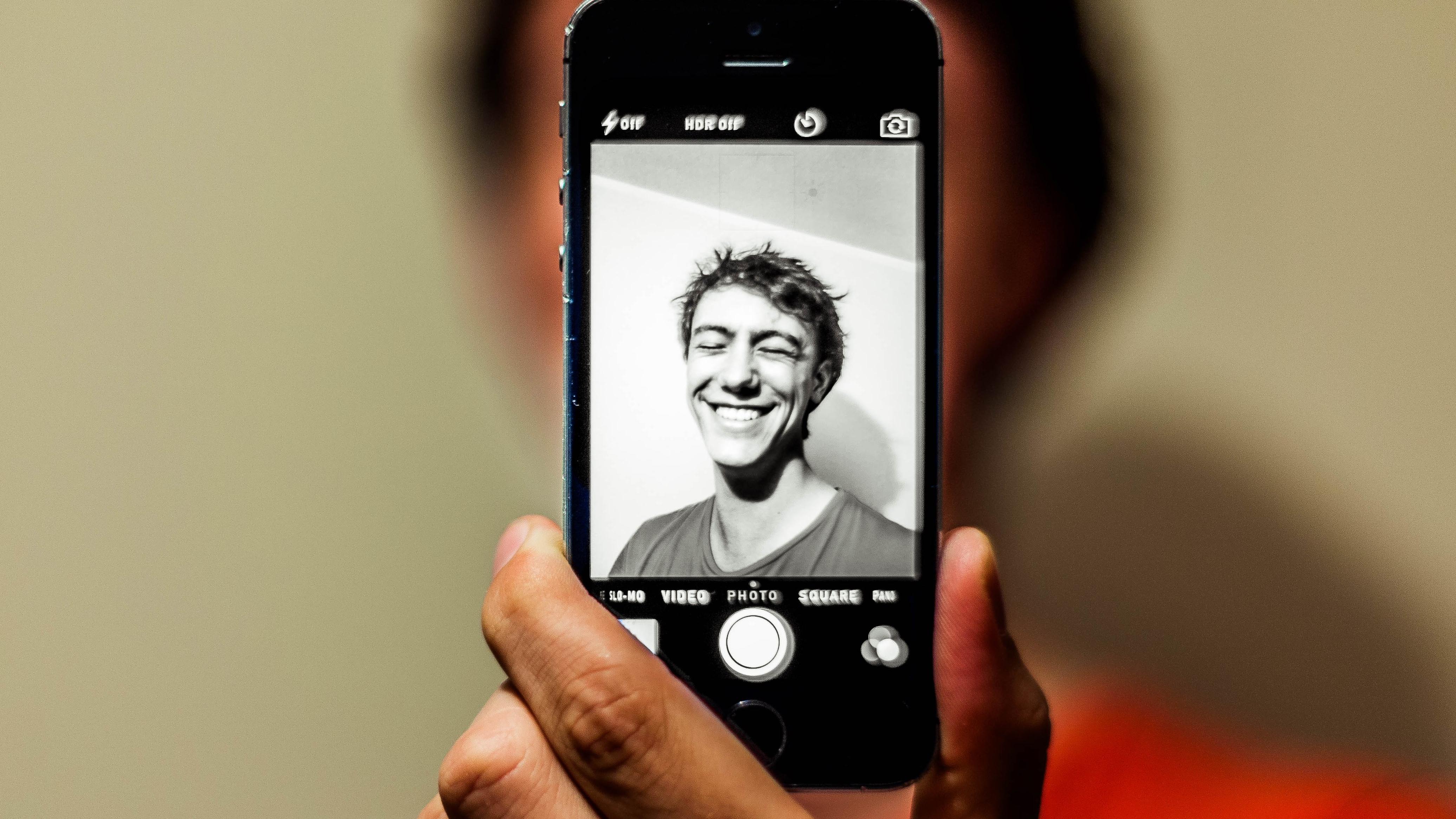 self-portrait-auto-iphone-80673.jpg
